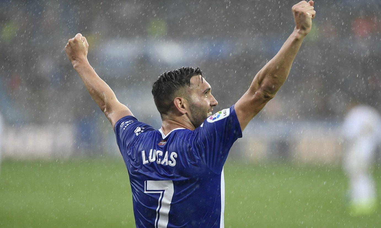 Lucas Perez Alaveseko jokalaria gol bat ospatzen, Mendizorrotzan. ©JUANAN RUIZ / FOKU