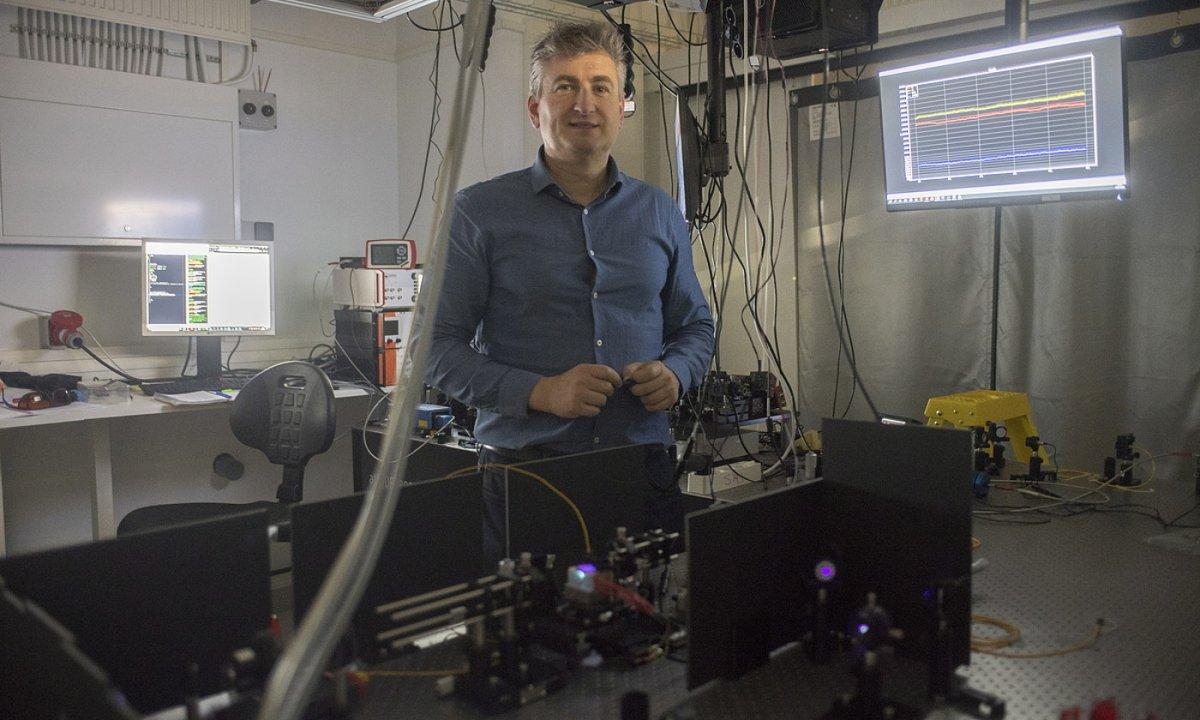 «Argiaren ingeniaritza egiten dugu nanoeskalan»