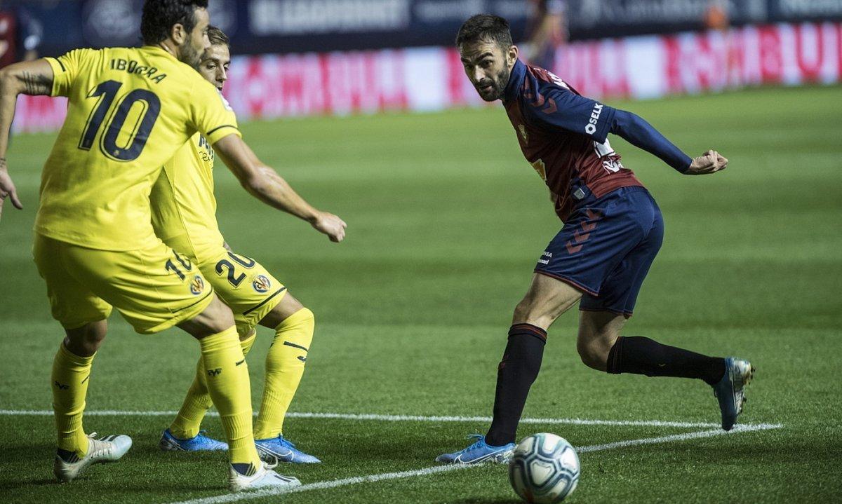 Adrian Lopez, Osasunak Sadarren Vila-realen aurka jokatutako partidan. ©JAGOBA MANTEROLA / FOKU