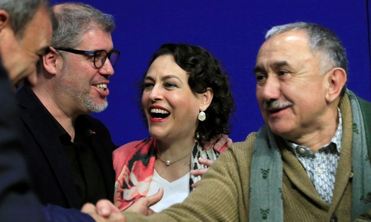 Unai Sordo (CCOO), Magdalena Valerio Lan ministro ohia eta Pepe Alvarez (UGT), ministro berrien kargu hartzean. ©F. ALVARADO / EFE