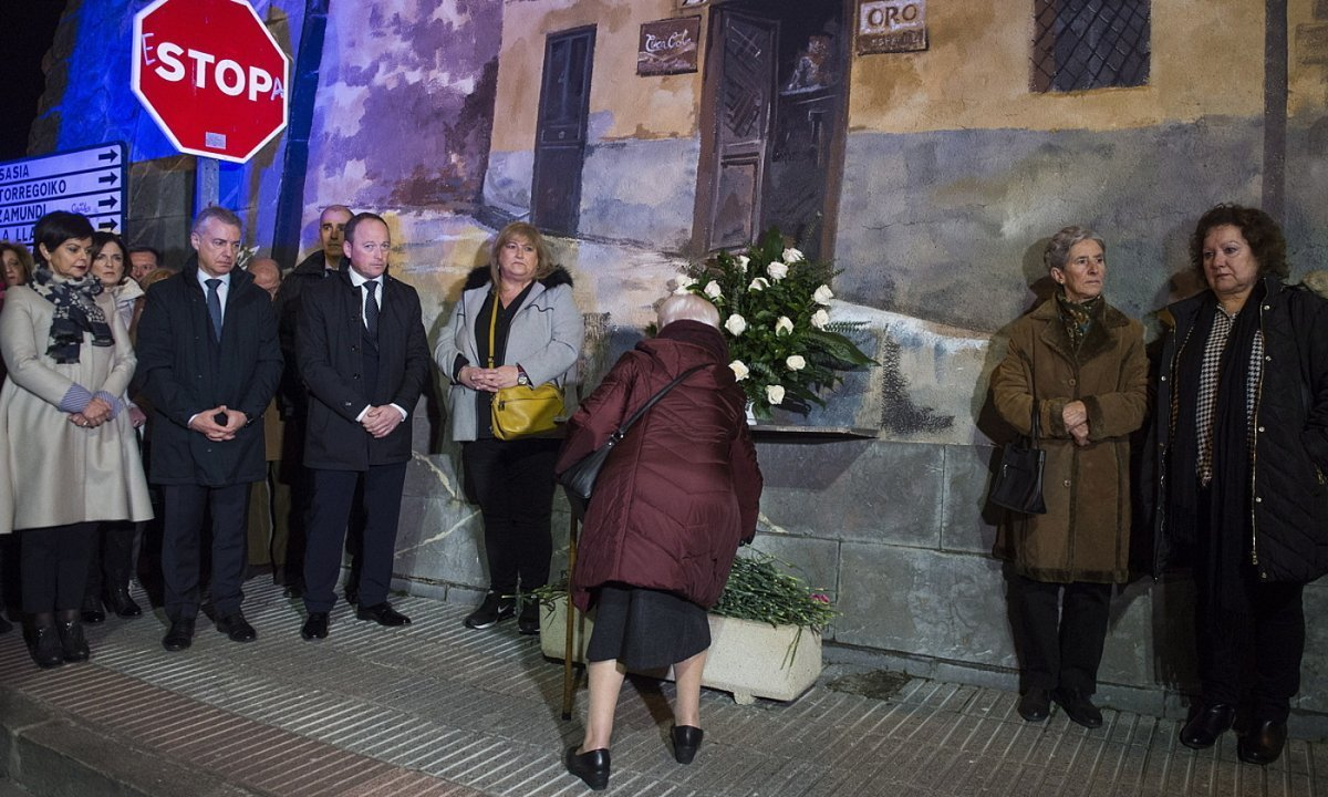 Aldana tabernako atentatua gogoratzeko ekitaldia, atzo. ©MONIKA DEL VALLE / FOKU