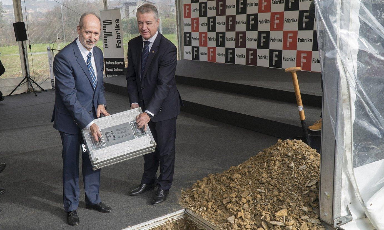 Eduardo Junkera Adegiko presidentea eta Iñigo Urkullu Eusko Jaurlaritzako lehendakaria, atzo. ©A. CANELLADA / FOKU