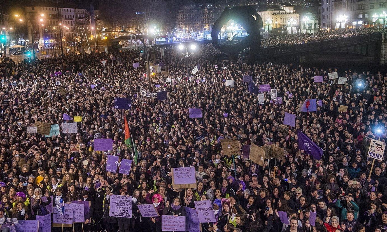 Joan den urteko greba feministako manifestazio erraldoia, Bilbon, Martxoaren 8an. ©LUIS JAUREGIALTZO