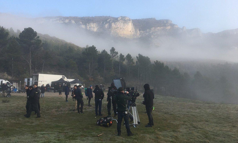 Astelehenean eta asteartean Leireko monasterioaren inguruan filmatzen aritu ziren. ©ESTUDIOS MELITON