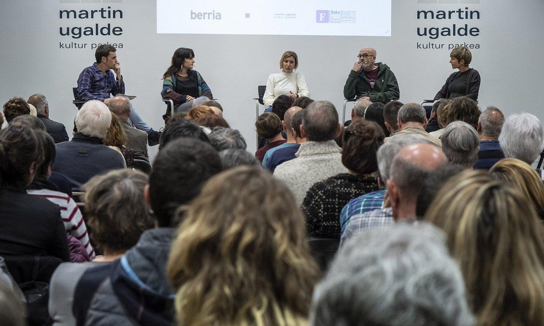 Enekoitz Esnaola, Nagore Otegi, Naiara Zamarreño, Eneko Etxeberria eta Maria Jauregi, atzo, Martin Ugalde Foroan.