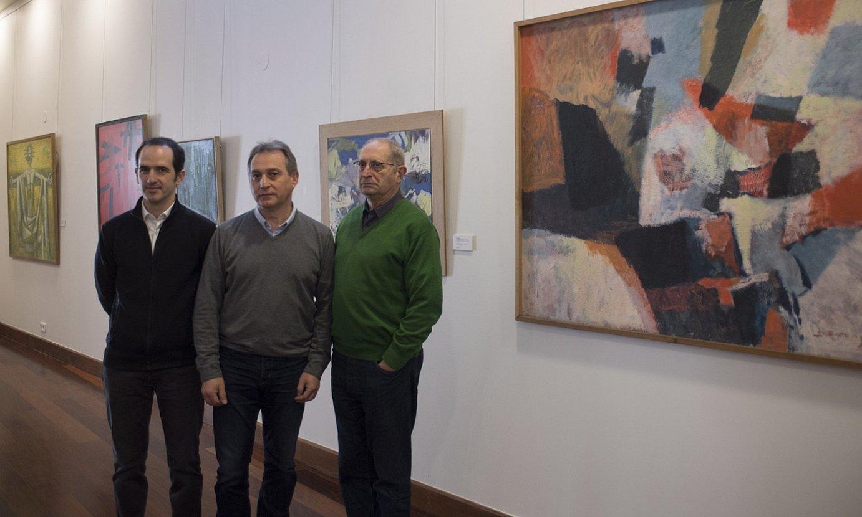 Juan Biain, Juan Aiesta eta Edorta Kortadi, atzo, erakusketaren aurkezpenean, Donostian. ©JUAN CARLOS RUIZ / FOKU