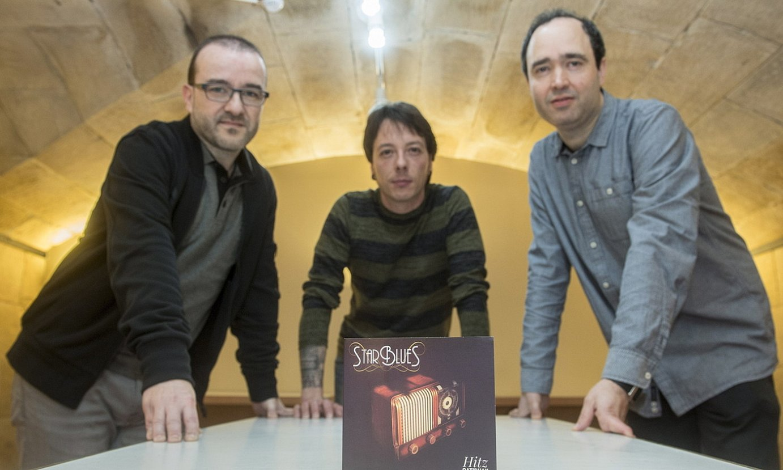 Mikel Atxega, Jon Barreros eta Yon Labaien, asteartean, Donostian eginiko aurkezpenean. ©GORKA RUBIO / FOKU