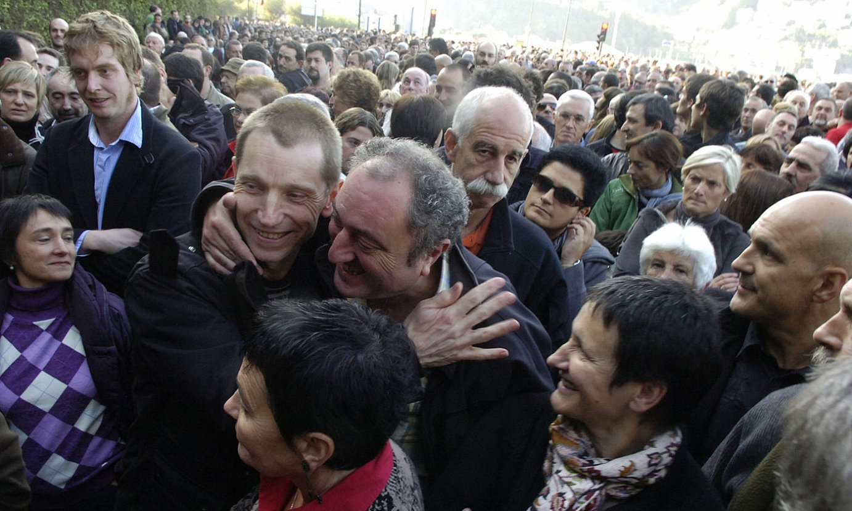 Rufi Etxeberria, 2009ko urriaren 17an, Donostian, <em>Bateragune auziaren</em> aurkako manifestazioan. Epaileak bezperan utzi zuen aske. ©LUIS JAUREGIALTZO / FOKU
