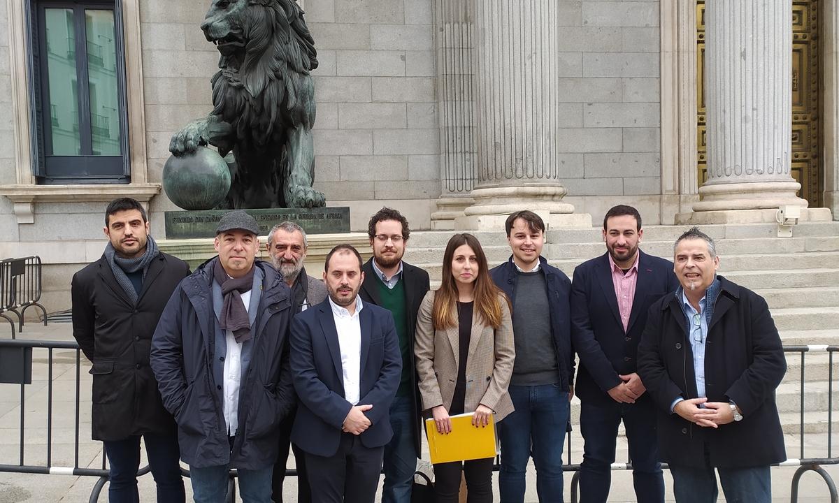 Eragileetako ordezkariak, atzo, Espainiako Kongresuan. ©BERRIA