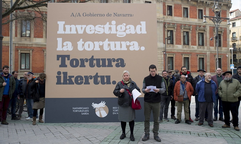 Nafarroako Torturatuen Sarearen agerraldia, atzo. ©IÑIGO URIZ / FOKU