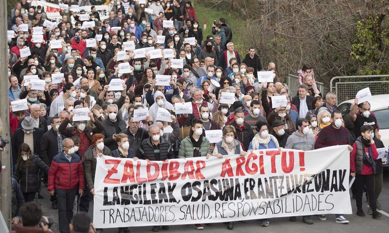 Manifestazioan jendea, atzo. ©JUAN CARLOS RUIZ / FOKU