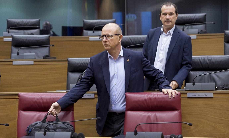 Carlos Gimeno Hezkuntza kontseilaria, Nafarroako Parlamentuan, artxiboko irudi batean. ©IÑIGO URIZ / FOKU