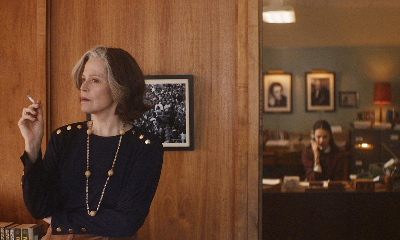 Joanna Rakoff idazleak nobela batean jaso zituen memoriak ditu oinarrian Falardeuren <em>My Salinger Year</em> filmak. ©BERLINALE