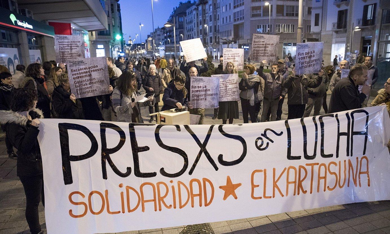 <b>Elkarretaratzea.</b> Salhaketak egindako protesta. ©IÑIGO URIZ / FOKU