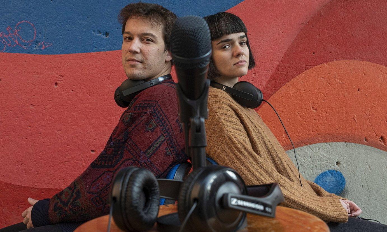 Jagoba Salvador eta Eneritz Dueso dira <em>Dunbala</em> podcasteko esatariak. ©JON URBE / FOKU