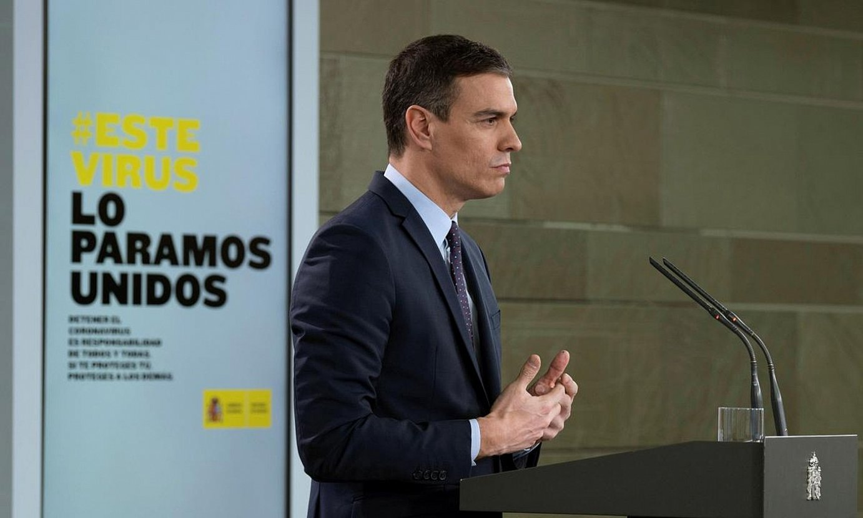 Pedro Sanchez Espainiako gobernuburua, atzo, neurri ekonomiko sorta baten berri ematen. ©BORJA PUIG DE LA BELLA CASA / EFE