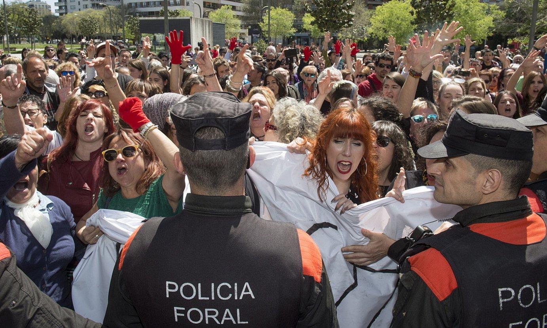 2018ko apirileko epaia salatzeko protesta bat, Iruñean. ©IÑIGO URIZ / FOKU