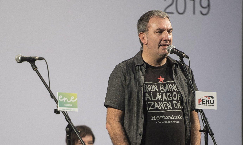 Jon Maia bertsolaria, iaz, bertso saio batean. ©GORKA RUBIO / FOKU