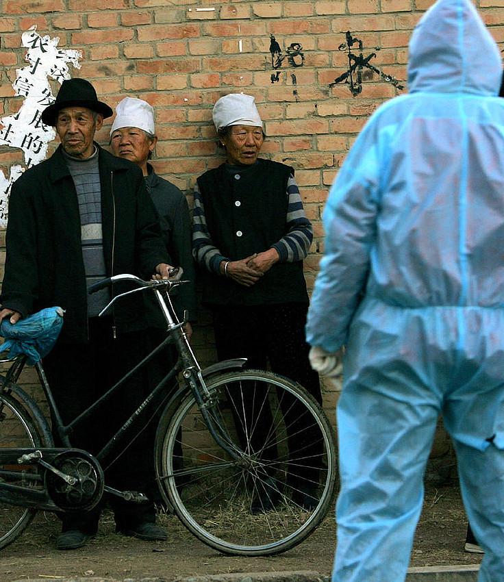 H1N1 gripearen aurkako neurriak, Txinan, 2005. urtean. ©ELIZABETH DALZIEL / EFE