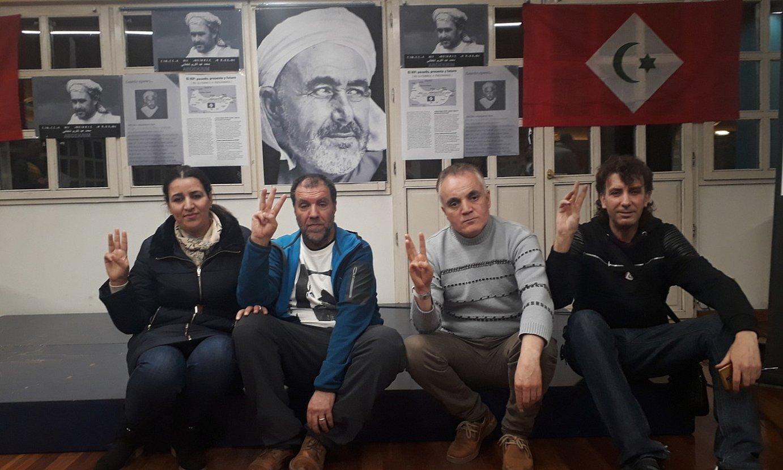 Saloua el-Yamani eta Asouik Riduan senar-emazteak, Noraddin Chakoti, eta Fikri Tekrin ekintzaile amazigak, Bilbon. ©K.RISTINA BERASAIN