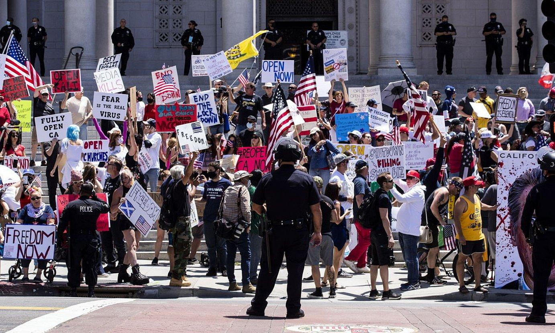 Kalifornian eginiko protesta bat. / ETIENNE LAURENT / EFE