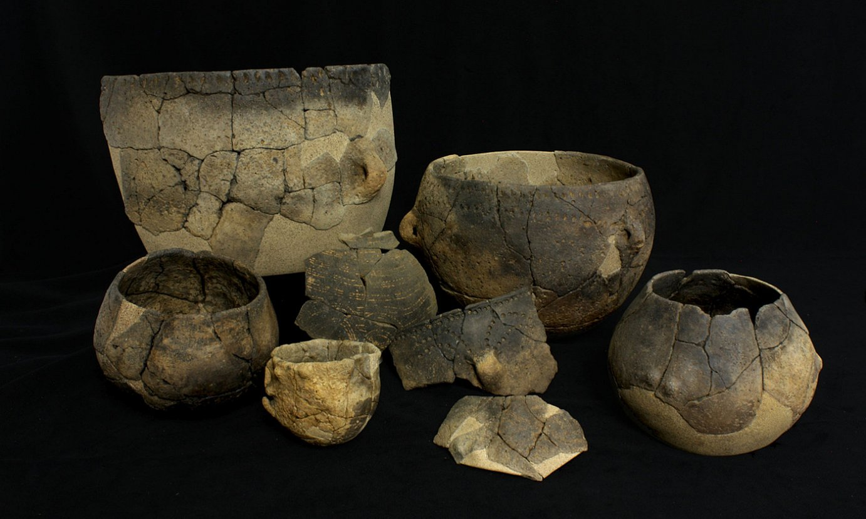 Versongo (Normandia, Frantzia) aztarnategiko zeramikazko ontziak. ©CALVADOSKO KONTSEILU NAGUSIA