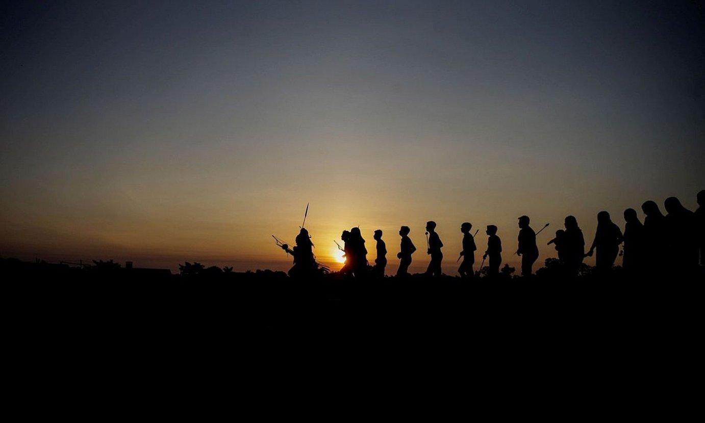 Xikrin etniako indigena batzuk, dantzan, Trincheira do Bacaja herrian, Amazonian. ©FERNANDO BIZERRA JR / EFE