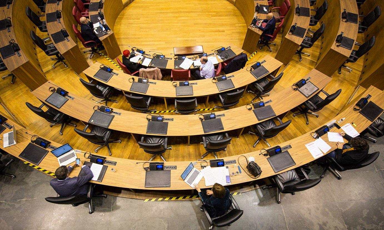 Nafarroako Parlamentuko ganbera nagusia, atzo, kontrol saioan. ©NAFARROAKO PARLAMENTUA