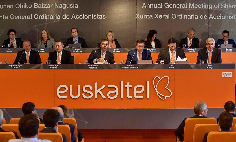 2019ko Euskaltelen batzar orokorra. Zegona Communications funtsak enpresaren kontrola hartu zuen bilera hartan. ©MIGUEL TOÑA / EFE
