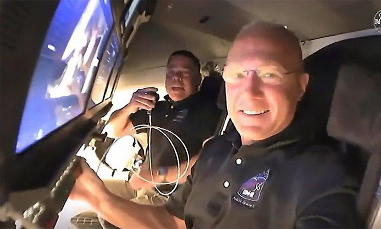 Space Xen <em>Falcon 9</em> suziriaren eta <em>Space Dragon</em> espaziontziaren jaurtiketa, eta Douglas Hurley eta Robert Behnken astronautak. ©SPACEX - NASA