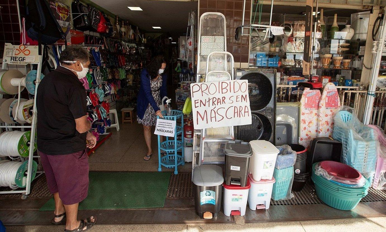 Denda bat irekita, Brasilen. / JOEDSON ALVES / EFE
