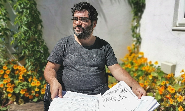 Mikel Chamizo konpositoreak Londresen egiten ditu denboraldiak, eta han harrapatu du konfinamenduak. ©DENNIS HOVING