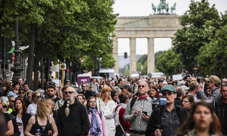 Berlinen, AfD alderdiak deitutako manifestazioa. / OMER MESSINGER / EFE