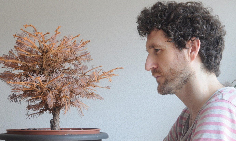 Bere Youtube kanalean eta Bandcamp orrian sareratu du Asier LIk sei ataleko lan osoaren lehen zatia, eta urte amaierarako kaleratu nahi ditu besteak. ©ASIER LI