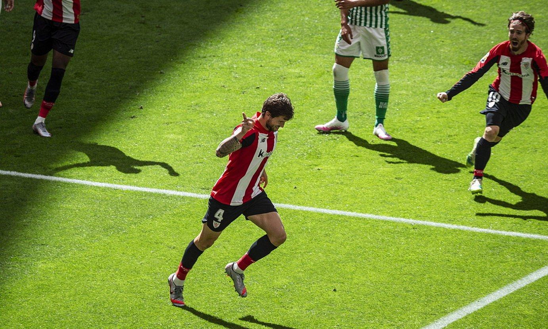 Iñigo Martinez, gola ospatzen, neurketako bakarra. Lehen gola du Athleticekin. ©ARITZ LOIOLA / FOKU