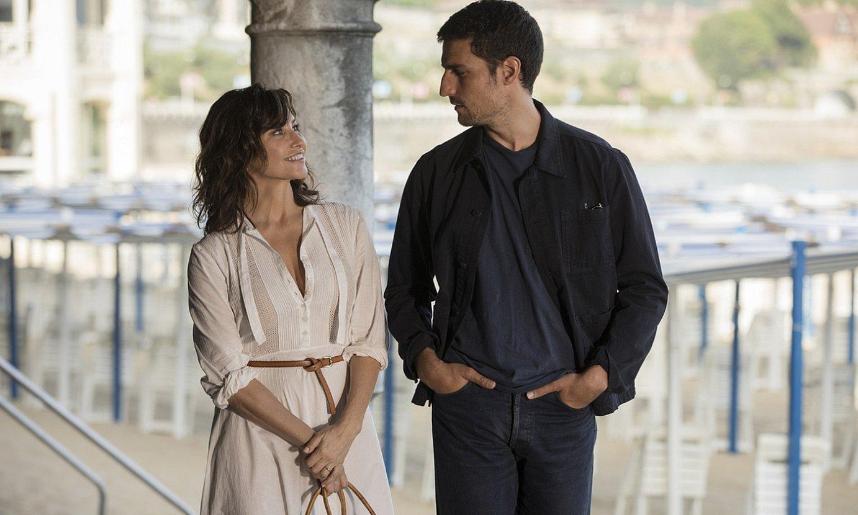 Gina Gershon eta Louis Garrel aktoreak, filmeko irudi batean. ©QUIM VIVES