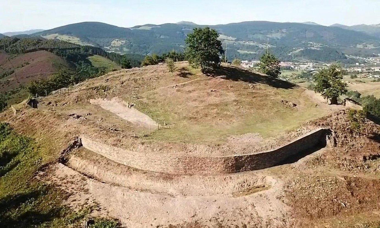 Bolunburuko aztarnategi arkeologikoa, Zallan (Bizkaia). ©ZALLA.INFO