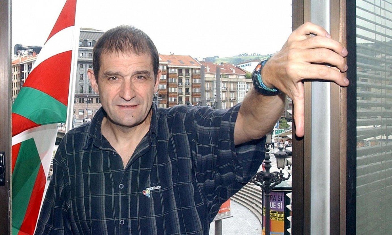 Josu Urrutikoetxea, 2002ko abuztuan, Bilbon. ©LUIS JAUREGIALTZO / FOKU