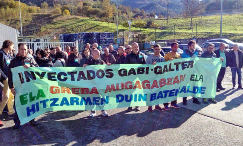 Inyectados Gabi eta Gaikerreko langileak 2018ko grebaldian eginiko protesta batean. ©BERRIA