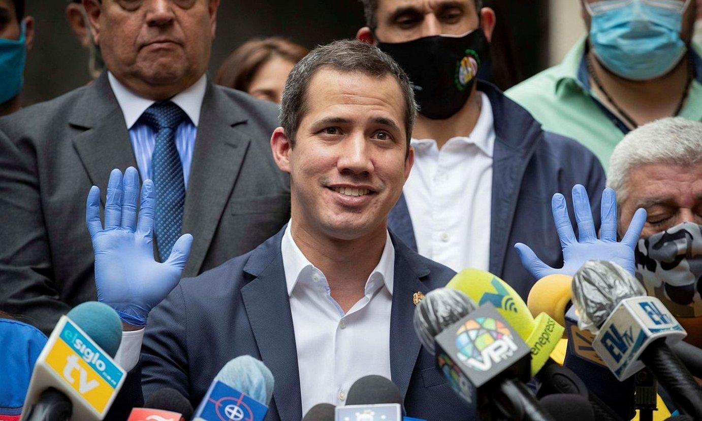 Juan Guaido oposizioko burua ekainean, Caracasen. ©RAYNER PEÑA / EFE