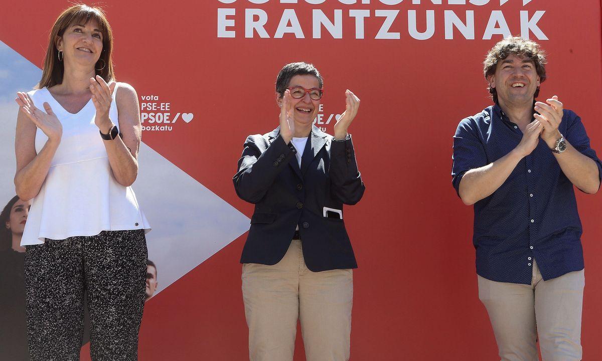 Arantxa Gonzalez ministroa izan zen atzo Mendiarekin. ©G. ESTRADA / EFE