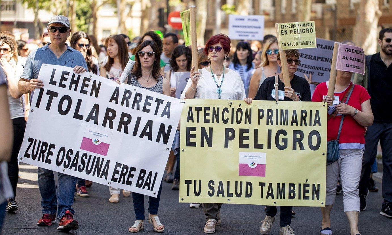 Lehen arretako profesionalen protesta bat, iaz, Gasteizen. ©ENDIKA PORTILLO / FOKU