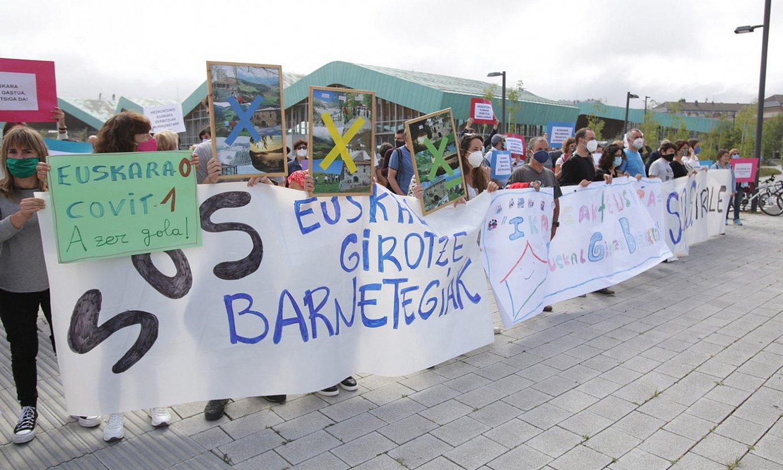 Iraleko eta euskal girotze barnetegietako langileak, protesta batean. ©ENDIKA PORTILLO / FOKU