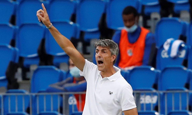 Imanol Alguacil, agindua ematen, Sevillaren aurkako partidan. ©JUAN HERRERO / EFE