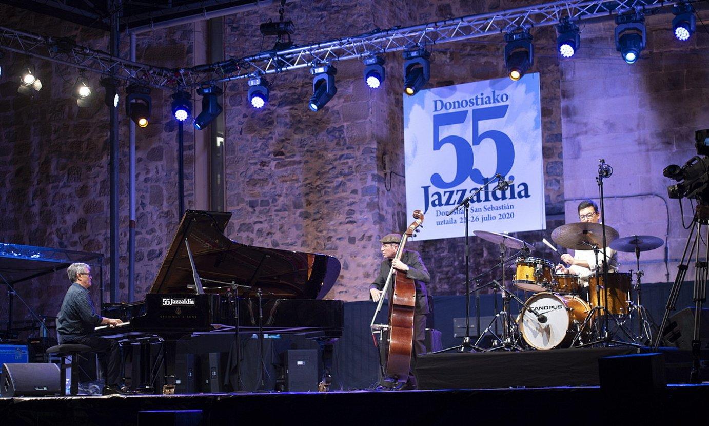 Chano Dominguez Trio, herenegun, Trinitate plazan. ©GORKA RUBIO / FOKU