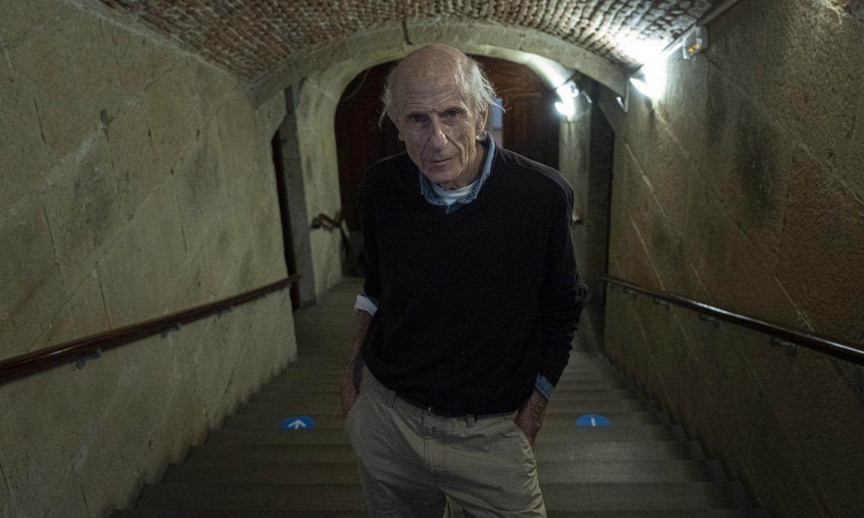 Jose Angel Irigarai, bere poesia liburua aurkeztu aurretik, joan den astean, Donostian. ©JON URBE / FOKU