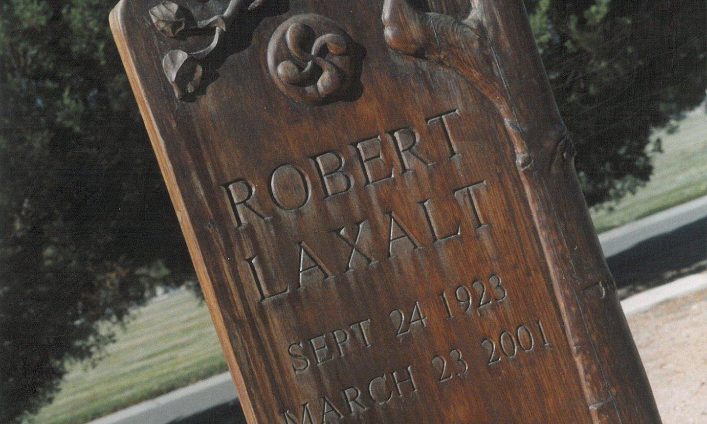 Robert Laxalt idazlearen hilobia Carson Cityko hilerrian (Nevada). ©ZALDI ERO