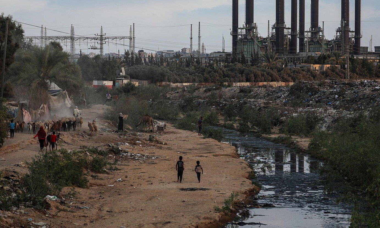 Gazako argindar zentrala geldirik da asteartetik. ©MOHAMMED SABER / EFE