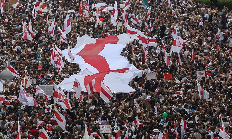Lukaxenkoren aurkako protestak Minsken, igandean. ©STR / EFE