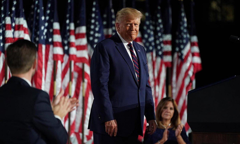 Trump Alderdi Errepublikanoaren konbentzioan, iragan astean, bigarrenez presidentegai izatea onartu zuenean. Etxe Zurian egin zuten ekitaldia. ©LEIGH VOGEL / EFE